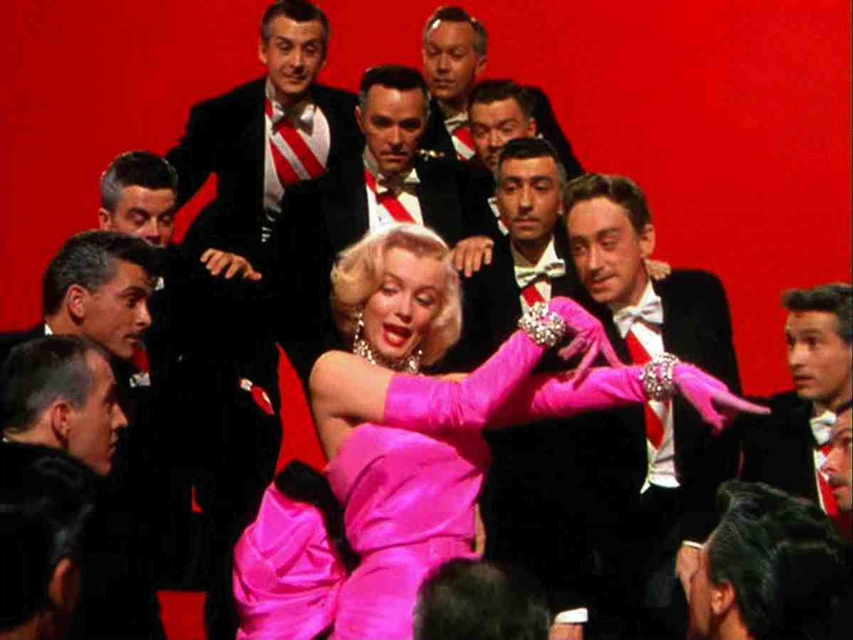 World of Fashion - Pagina 2 24_MarilynMonroe_2011_6_24_BK02