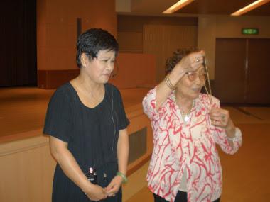 中國結老師 與 李老師