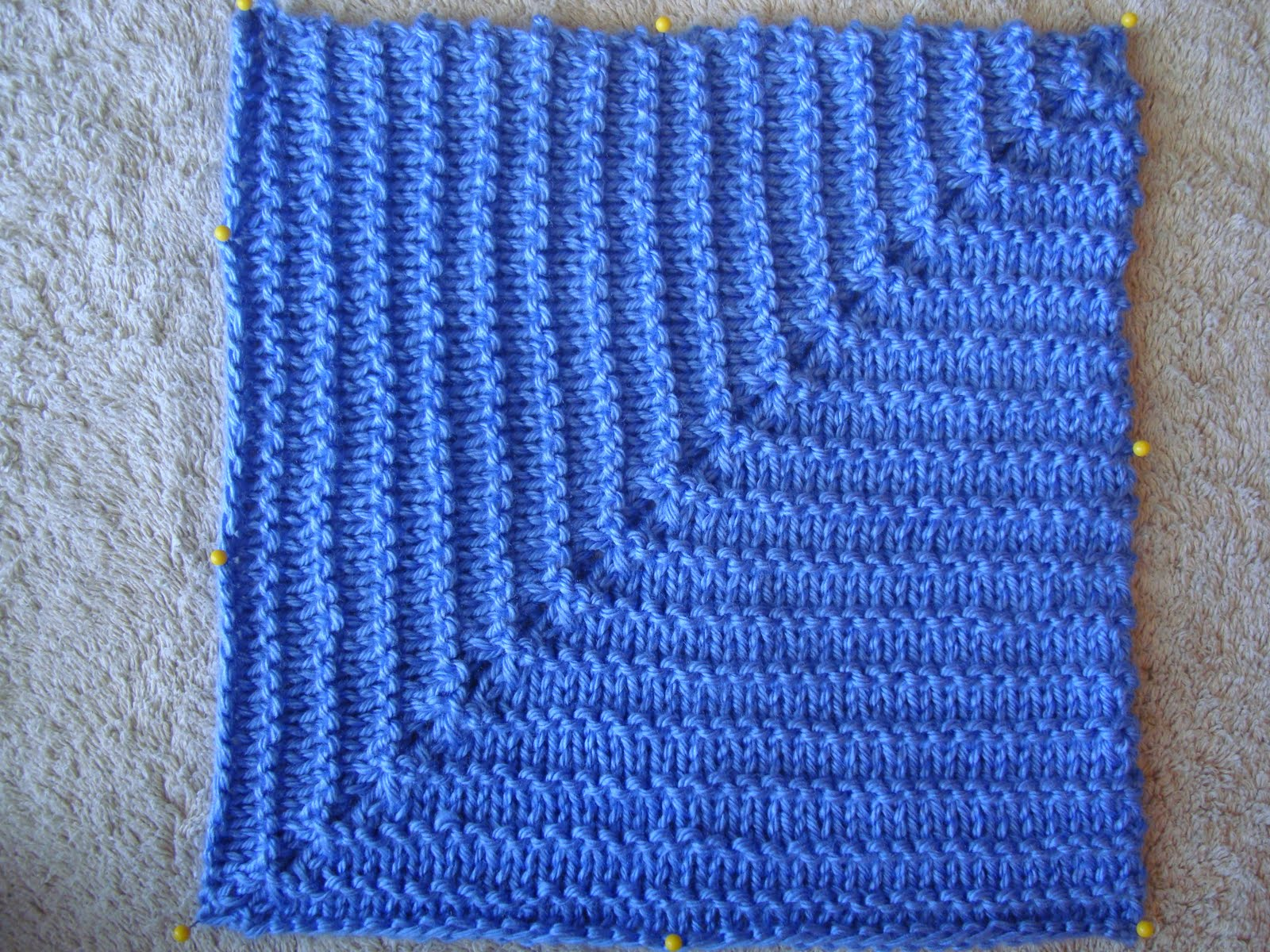 Knitted Squares Pattern : A Year of Swatches: August 2011