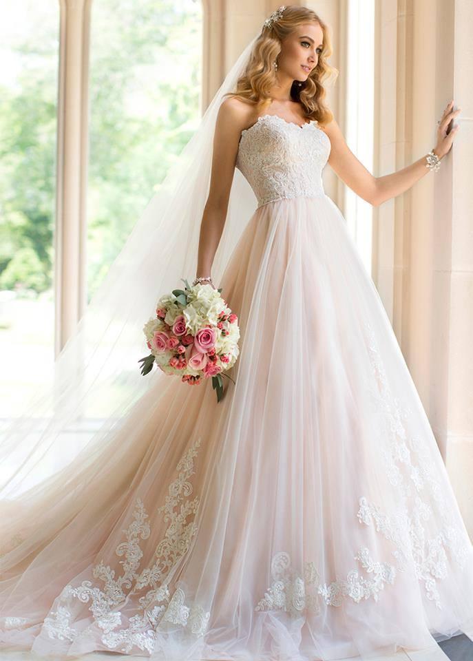 Vestidos de novias elegantes y modernos
