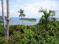 Panorama Pulau Klah di Teluk Sabang