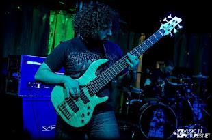 Kemal ÜRE isimli dostumuza yapılan 6 telli bas gitar.