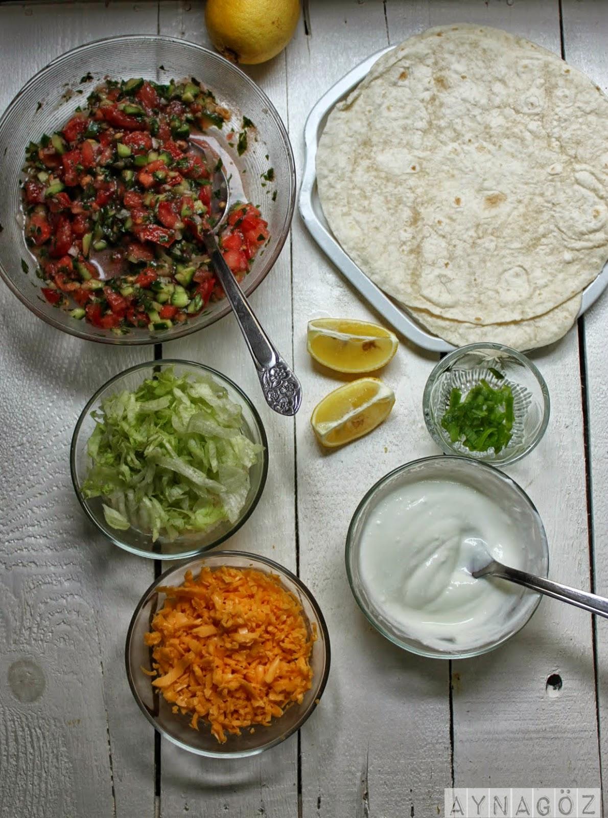 Tavuk salatalı mısırlı taco tarifi