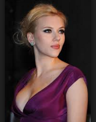 Hollywood Beautiful Hot Sexy Model Actress Scarlett Johansson
