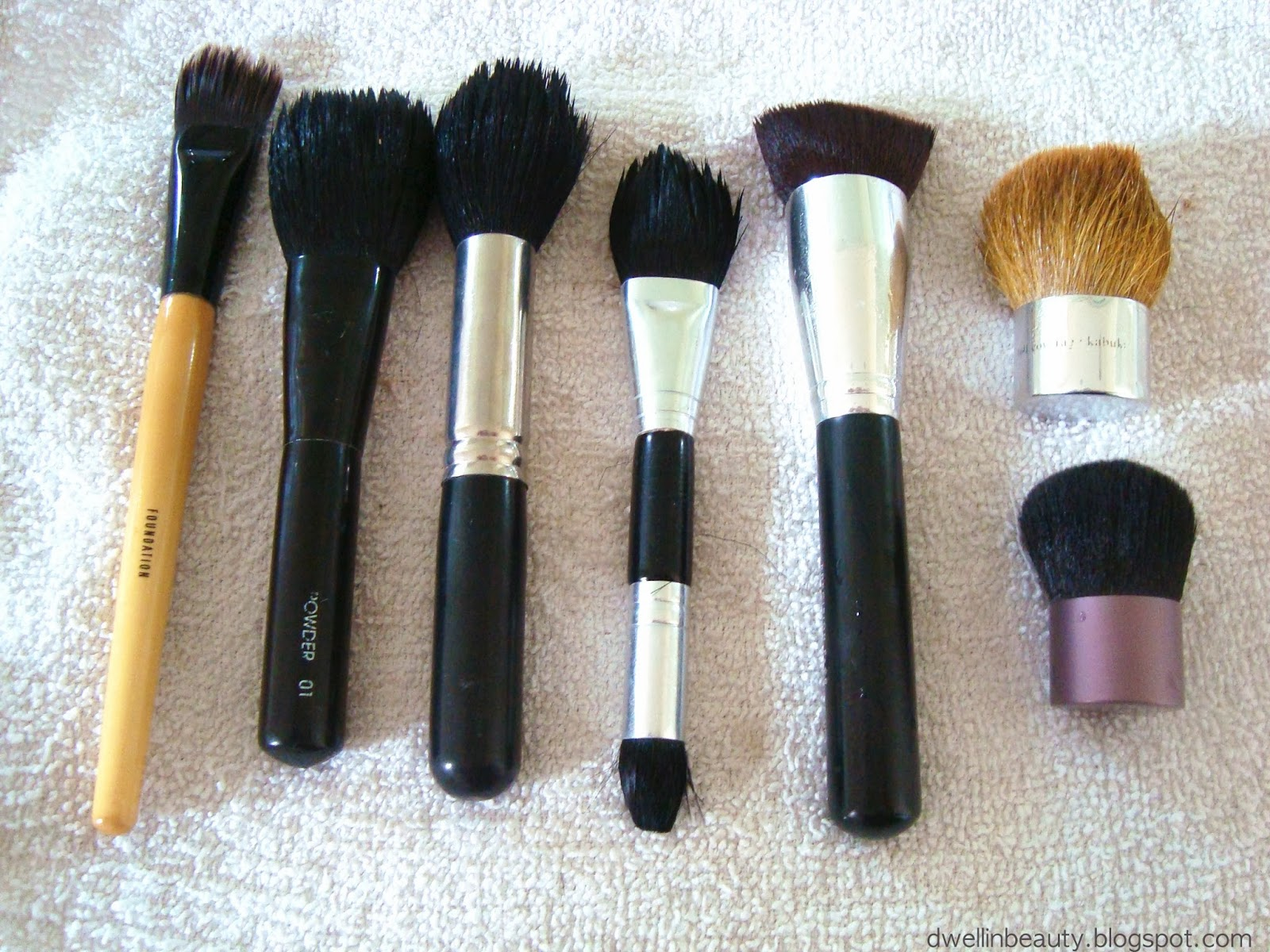 dwell in beauty how to clean your makeup brushes