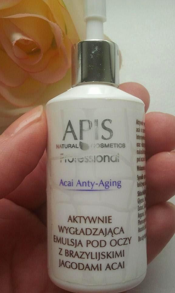APIS-Acai-Anty-Aging-Aktywnie-wygładzająca-emulsja-pod-oczy-z-brazylijskimi-jagodami-acai-w-mojej-dloni