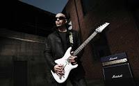 Biodata Joe Santriani  Nama Lahir: Joseph Satriani  Genre: Rock, Hard Rock, Instrumental Rock, Blues  Pekerjaan: Musisi, Penulis Lagu, Produser, Guru gitar  Instrumen: Gitar, Bass, Keyboards, Vokal, Harmonica, Banjo, Harpa  Tahun Aktif: 1978 – Sekarang  Label: Sony, Epic, Relativity  Biografi Joe Santriani  Joe adalah seorang gitaris dan guru gitar. Ia memulai kariernya sejak umur 12 tahun. Beberapa muridnya yang telah menjadi terkenal adalah Steve Vai dan Kirk Hammett .di kenal ketika menaruh lagunya di Internet, dan banyak orang suka lagu yang dia mainkan. Pada awal kariernya, Satriani bekerja hanya sebagai instruktur gitar saja dengan beberapa mantan muridnya telah mencapai ketenaran dengan kepiawaian gitar mereka, yaitu Steve Vai, Larry LaLonde, Kirk Hammett, Andy Timmons, Charlie Hunter, Kevin Cadogan, Alex Skolnick. Memang Satriani telah menjadi sumber inspirasi para musisi dunia sepanjang kariernya.