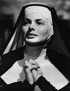 """Ingrid Bergman en """"Las Campanas De Santa María"""" monja"""
