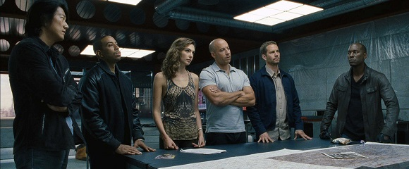 Sung Kang, Chris 'Ludacris' Bridges, Gal Gadot, Vin Diesel, Paul Walker e Tyrese Gibson em VELOZES & FURIOSOS 6 (Fast & Furious 6)