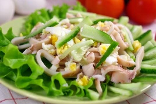 asian salad with calamari