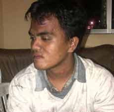 Pemuda Tidur Di Jalan Akibat Pacar Dibawa Lari Orang [ www.BlogApaAja.com ]
