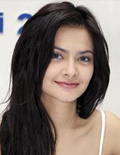 Foto telanjang Cut Tari