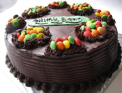 Image Favorit Saya Adalah Kue Tart Coklat Dengan Hiasan ...