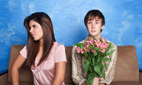 7 Signs She is Bored With You,woman hate man girl guy