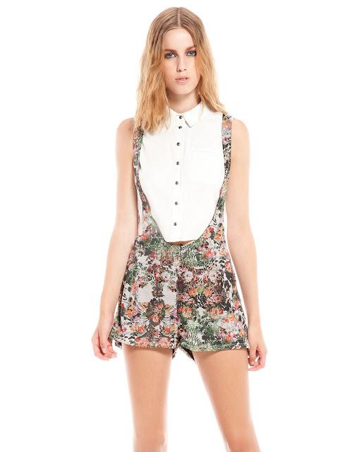 düğmeli çiçek desenli mini şort elbise
