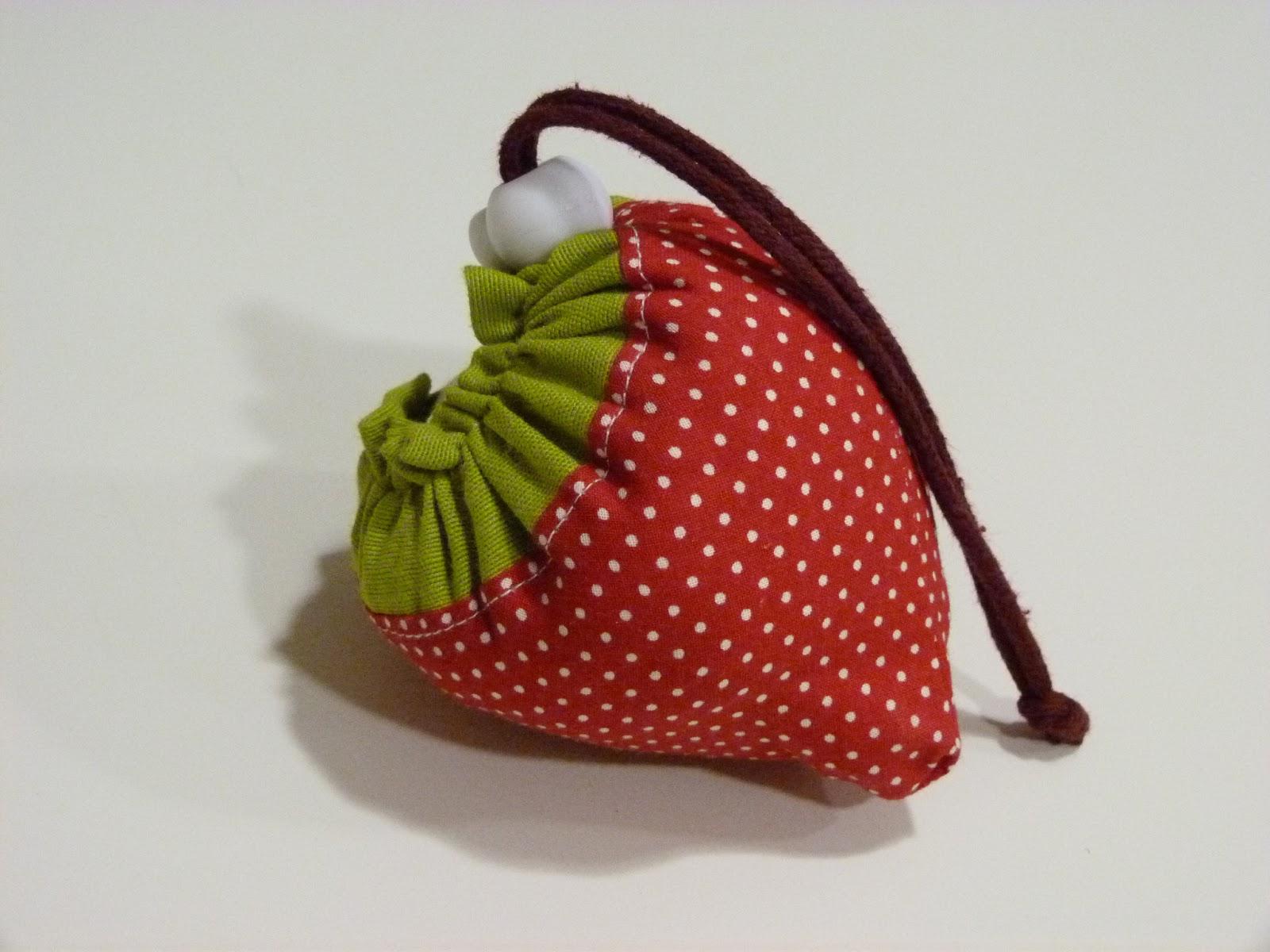 Con hilo y telas tutorial para hacer una bolsa de la - Hacer bolsos de tela paso a paso ...
