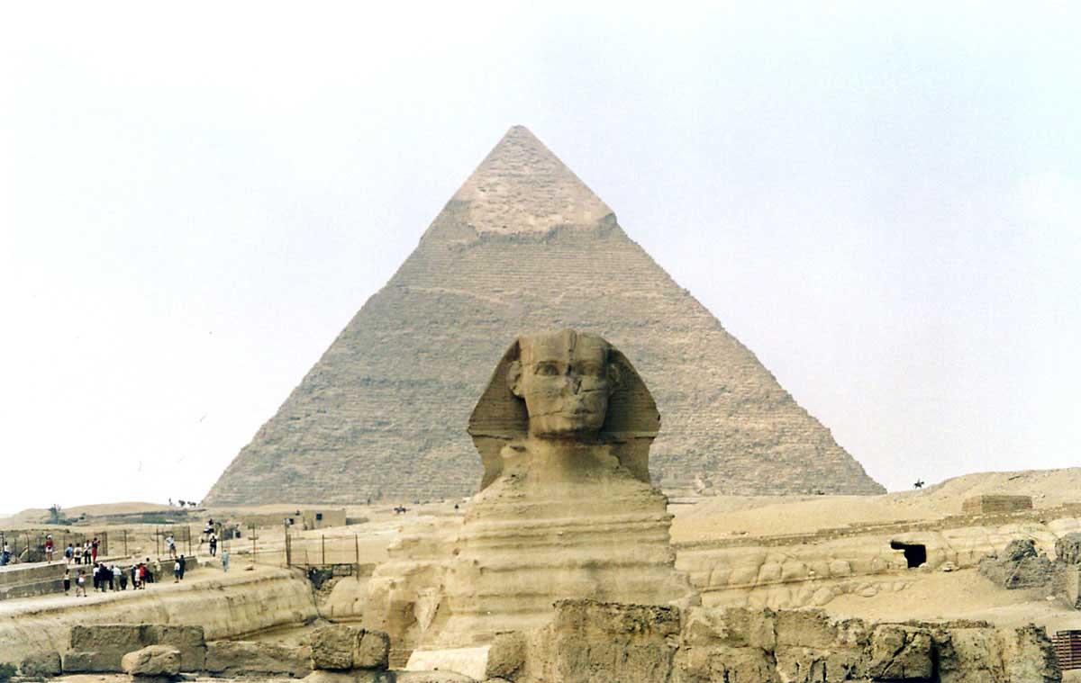 pyramides of egypt