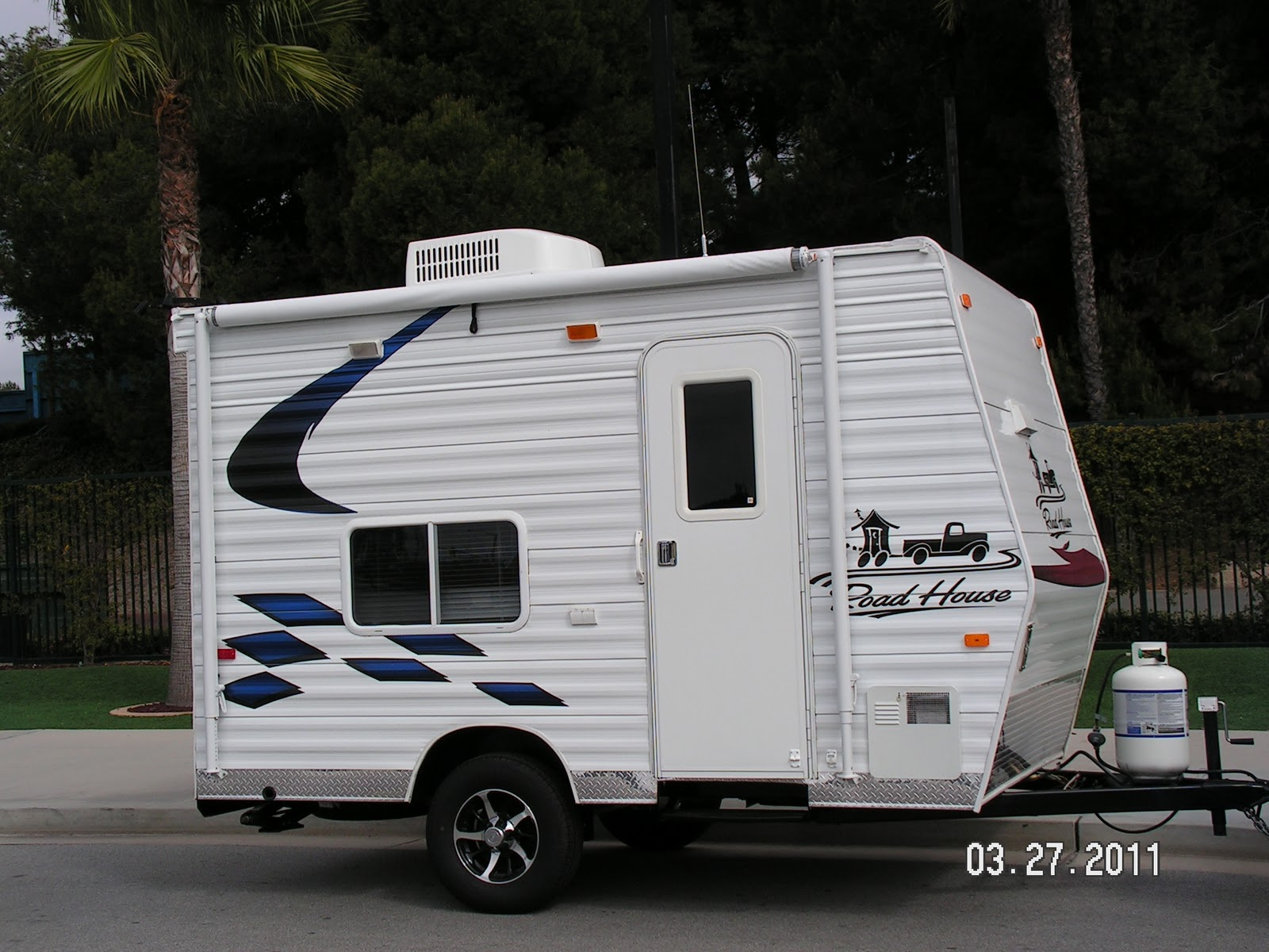 16 Foot Toy Hauler Trailer http://roadhouserv.blogspot.com/2011/04/new-stubby-16-foot-toyhauler.html