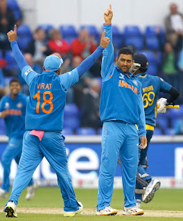MS-Dhoni-appeals-Out-India-vs-Srilanka-ICC-champions-Trophy-2013