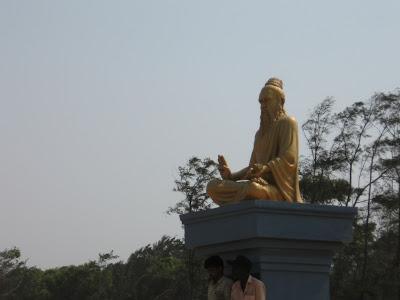 Thiruvalluvar Statue, Mahabalipuram