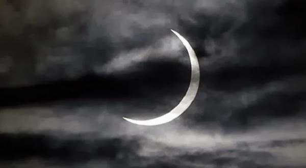 Gambar Penampakan Gerhana Matahari Hibrid