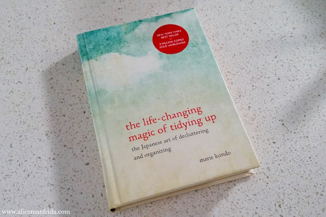 book, Marie Kondo, the life-changing magic of tidying up, book review, organizing, decluttering,