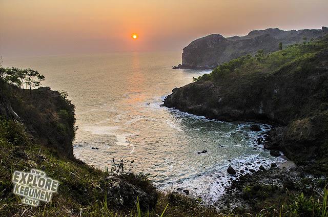 Sawangan Adventure Karangduwur - Pantai Sawangan