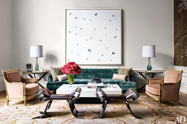 interiors-gilt-wood-armchairs-cocktail-table