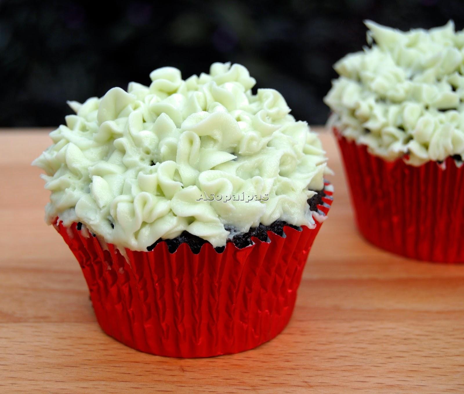 Cupcakes con Chocolate y Crema de mantequilla con menta