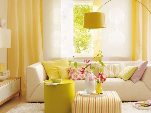 Red and yellow rooms home decorating ideas for Red and yellow living room ideas