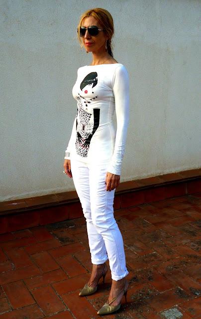 imagen camiseta blanca de manga larga de Denny Rose