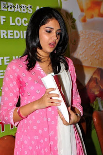 see through salwar suit white bra visible and showing sweaty armpits