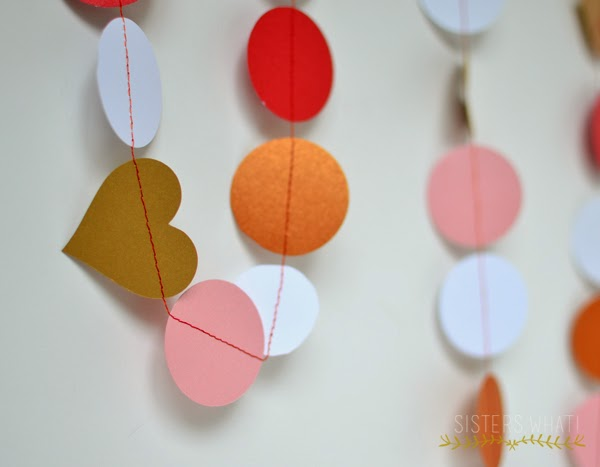 http://www.sisterswhat.com/2015/02/circle-paper-garland-tutorial.html?utm_source=bp_recent&utm-medium=gadget&utm_campaign=bp_recent