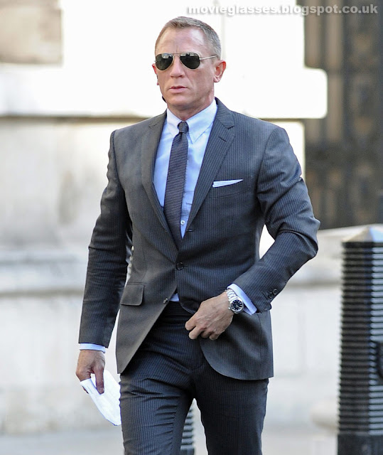 Daniel Craig wears Tom Ford Sunglasses in New James Bond Movie - Skyfall