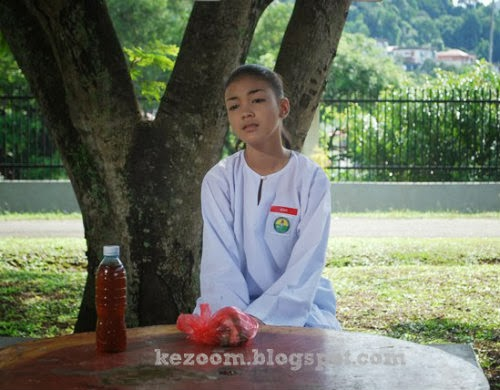 Pelakon Remaja Eyka Farhana Kongsi Gambar Dalam Tandas?