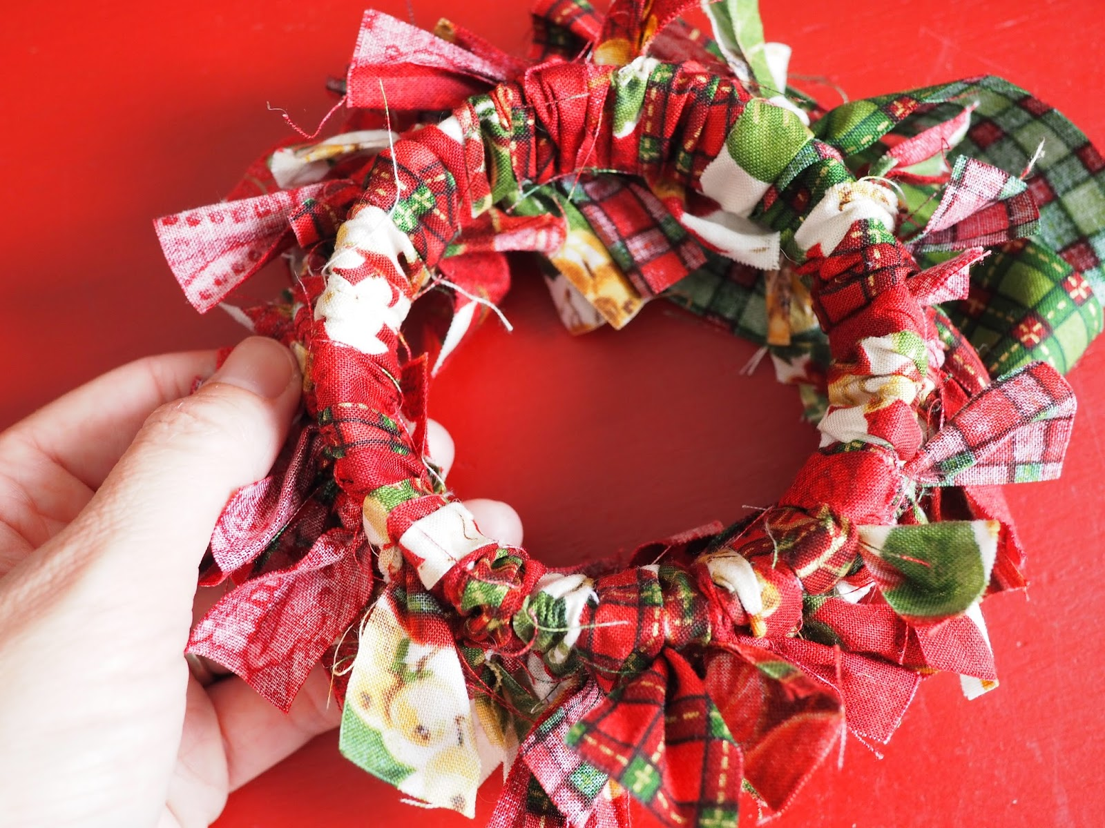 No Sew Fabric Christmas Ornaments - Best 25+ Fabric christmas ...