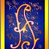 Alfabeto ornamental en azul, naranja y amarillo.