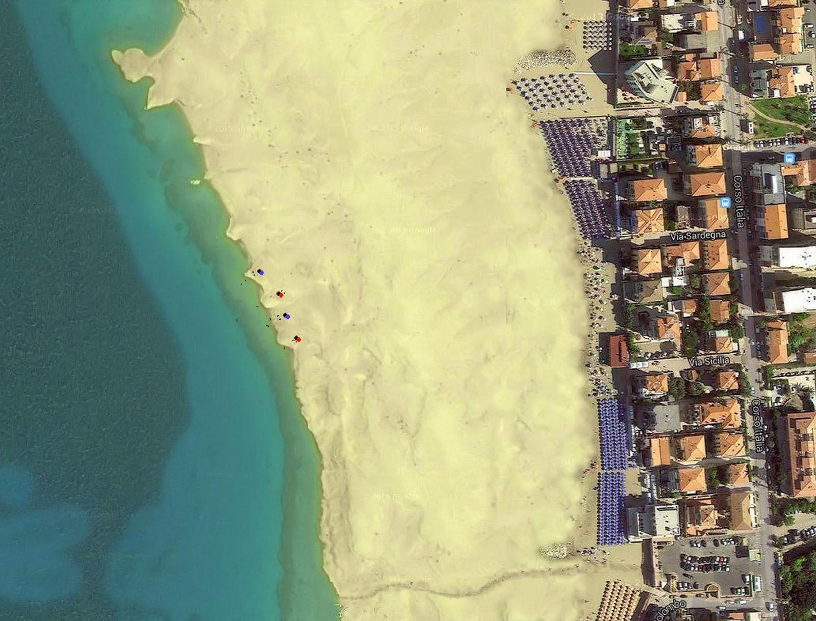 San vincenzo lavori in corso la spiaggia d 39 oro - Bagno delfino san vincenzo ...