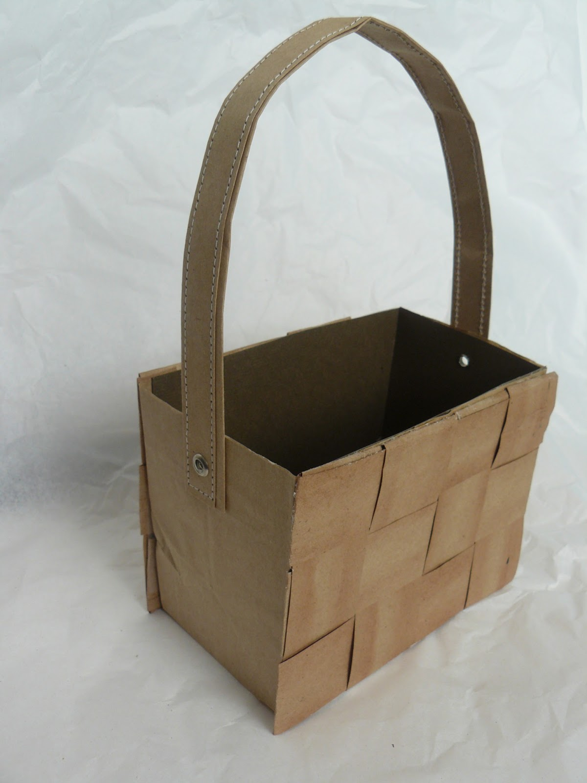 how to make small baskets with paper