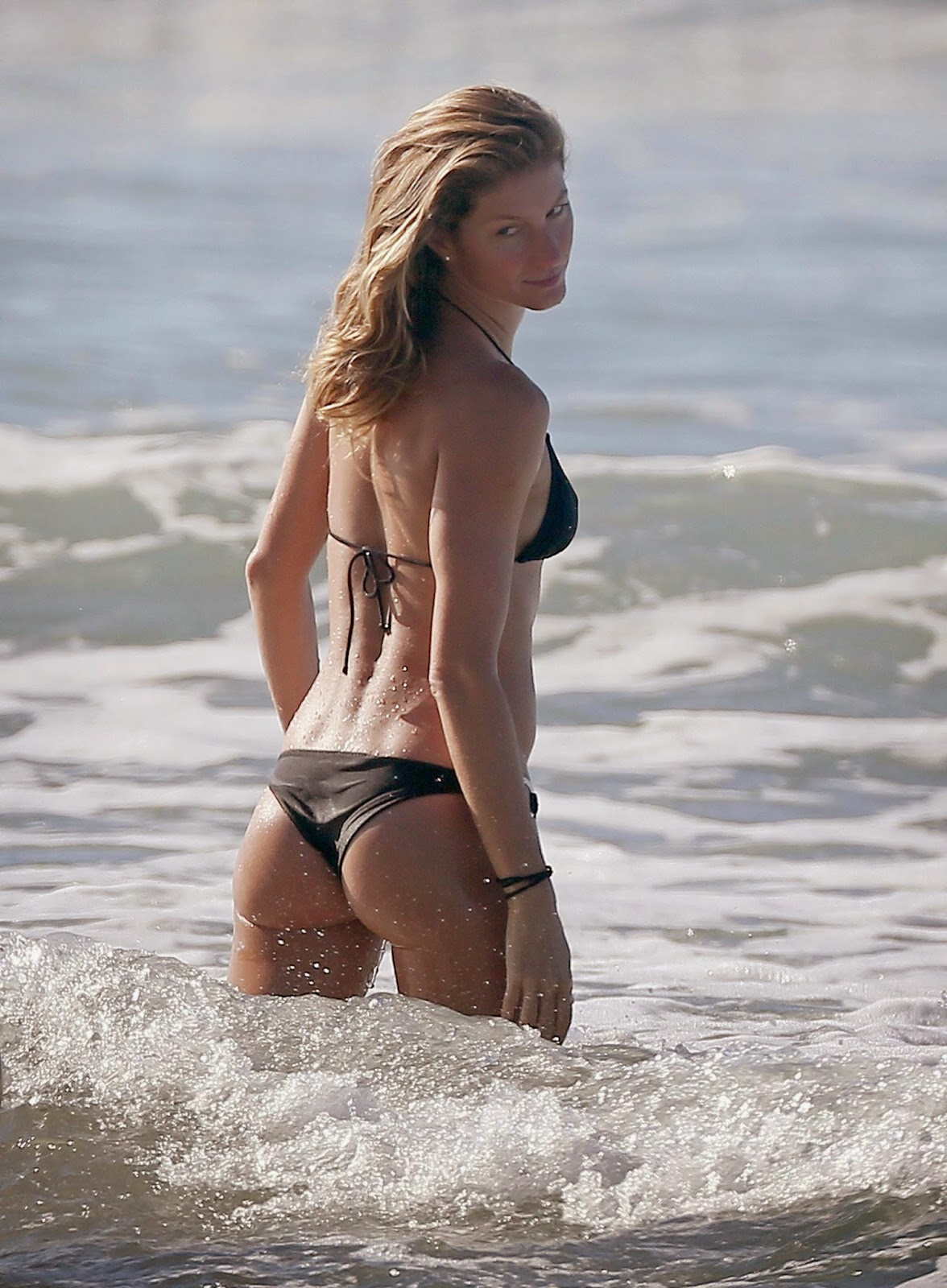 Gisele Bundchen Ass Candids In Costa Rica