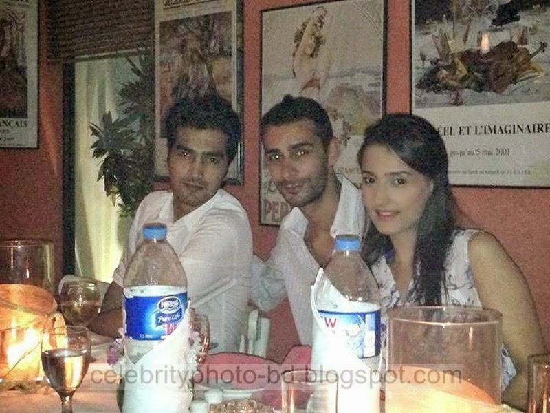 Pakistani+Tv+Drama+Actress+Model+and+Host+Momal+Sheikh+Hot+Unseen+Pictures008
