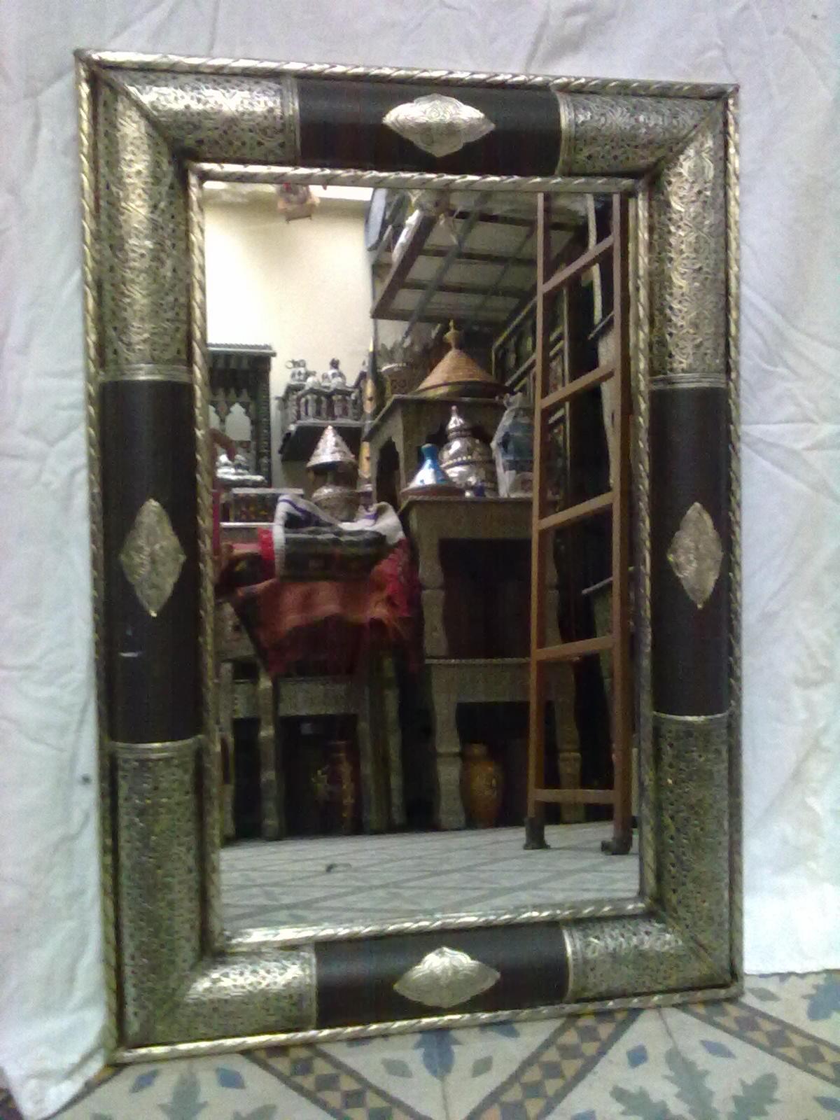 Bazar d 39 artisanat marocain miroir a10 86cm 55cm for Miroir marocain