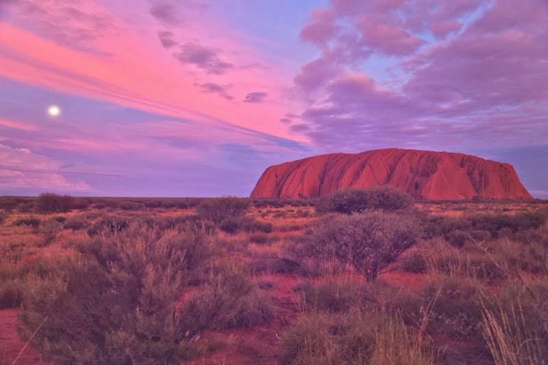 Uluru, Kata Tjuta National Park, Red Centre of Australia, red sand, Northern Territory, Ayers Rock
