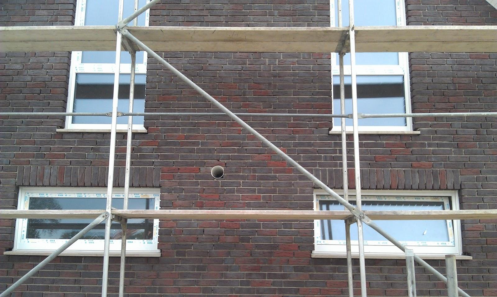 Ralf & Natalie\'s Baublog: Fensterbänke eingesetzt und Klinker wird ...