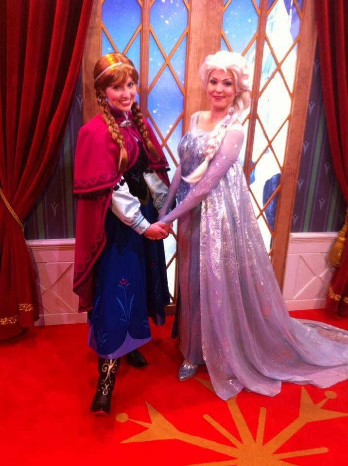 Frozen Anna Elsa Walt Disney World filmprincesses.filminspector.com