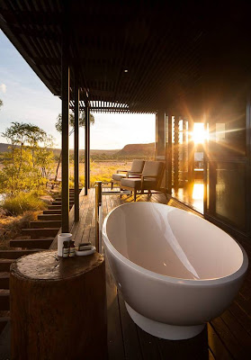 Free standing outdoor bath on the Cliff Side Retreat Verandas