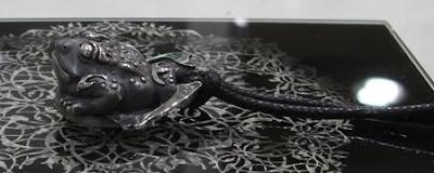 龍鱗鳳羽 - 三腳蟾蜍