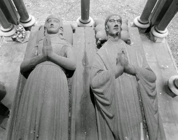 Medieval europe history illuminated the tomb of abelard for Abelard decoration