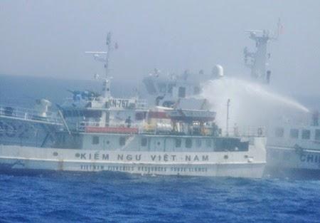 Chinese vessels keep up pressure in East Sea