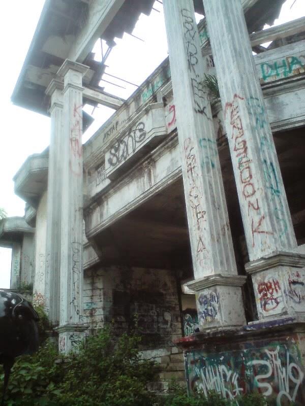 rumah hantu darmo di surabaya